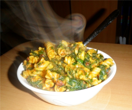 Cooked pasta-spinach