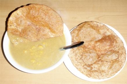 flat-bread-puri-poori-indian-chana-chickpea-soup