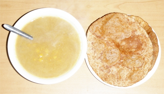 flat-bread-puri-poori-indian-chana-chick-pea-soup