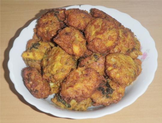 cabbage-parsnip-pakoras-bhajis