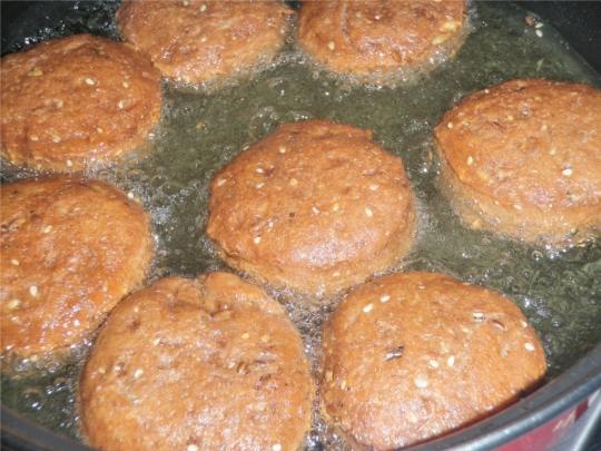 savoury-grain-seed-doughnut-donut-fried