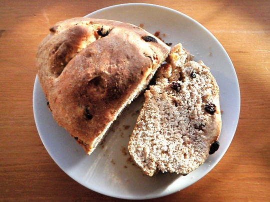 11-rustic-vegan-raisin-bread-baked