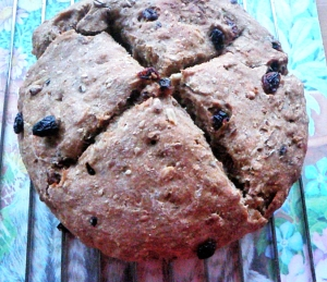 7-rustic-vegan-raisin-bread-round