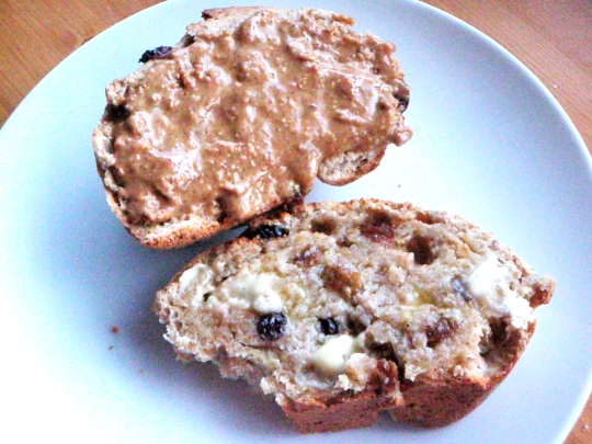 8-rustic-raisin-vegan-bread-round-slices-peanut-butter