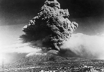 Beautiful Versuvius erupting a diamond in 1944
