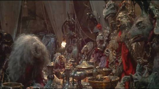 Dark Crystal 1982 Aughra facing the skeksis