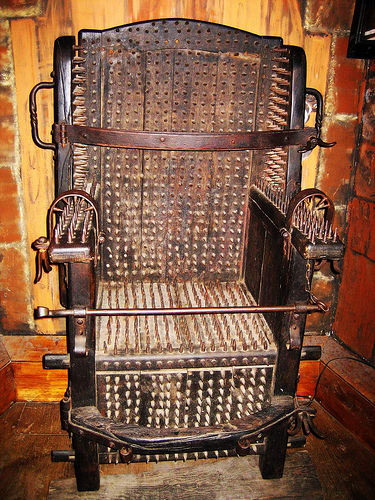 medieval-torture-devices-judas-chair